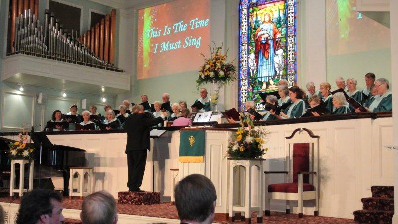 roger-leads-the-choir